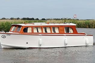 Motor Cruiser on the norfolk broads